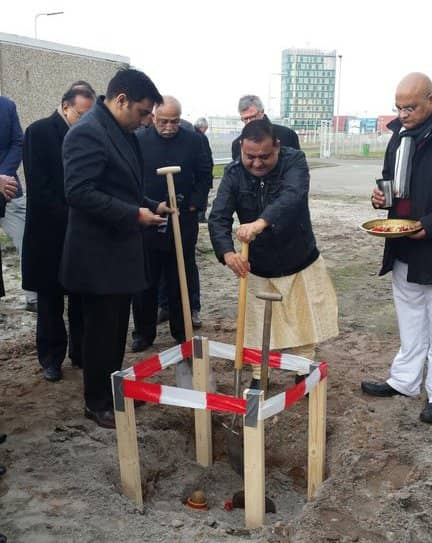 LT Foods celebrates decision to establish European rice processing plant in Rotterdam with informal groundbreaking ceremony.