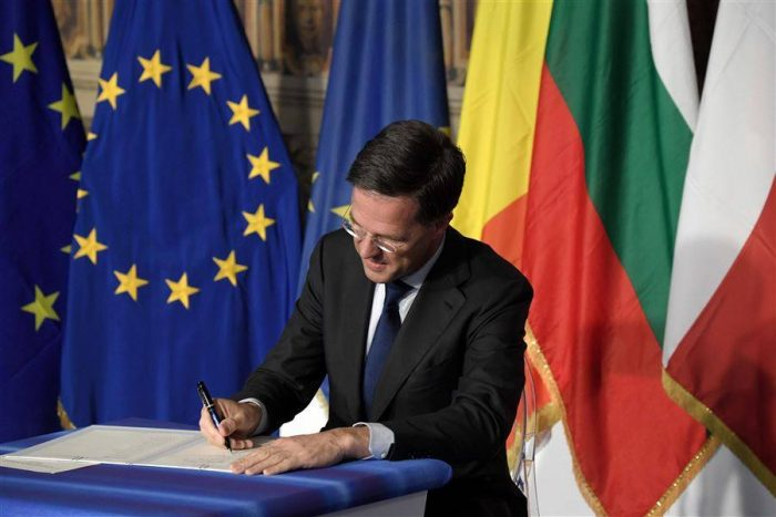 Dutch Prime Minister Mark Rutte signs a new declaration with EU leaders on 25 March 2017 marking 60 years since the Treaty of Rome.