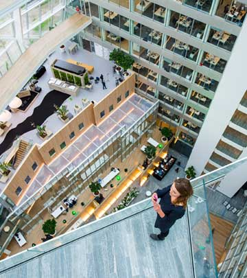 In 2015, international professional services firm Deloitte completed its Amsterdam headquarters, named the Edge.