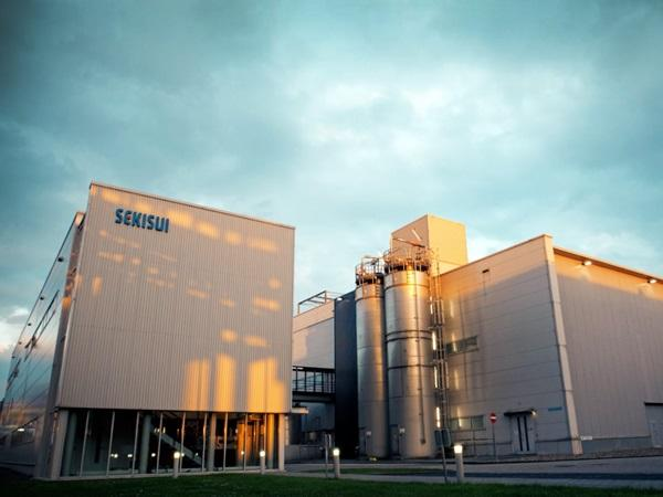 SEKISUI S-Lec has decided to expand European film production for laminated glass in their Dutch plants in the province of Limburg.
