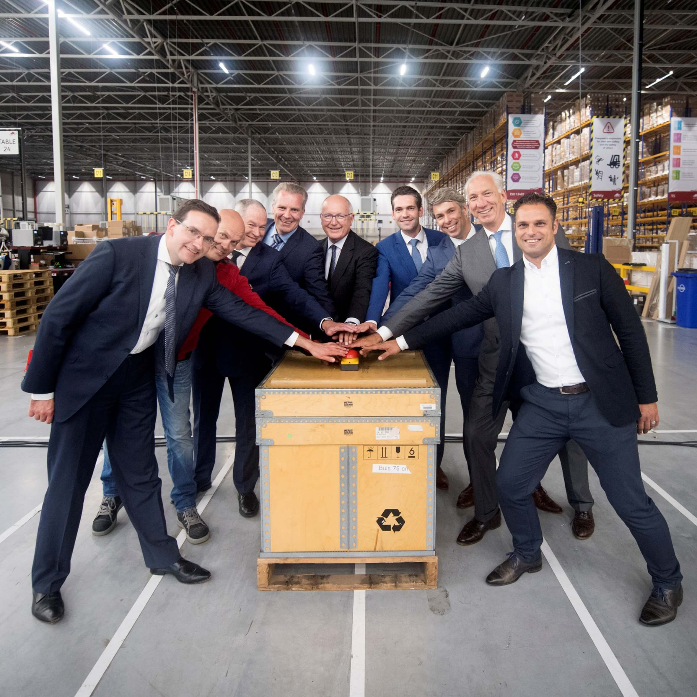 Medtronic and CEVA Logistics Open New Distribution Center in