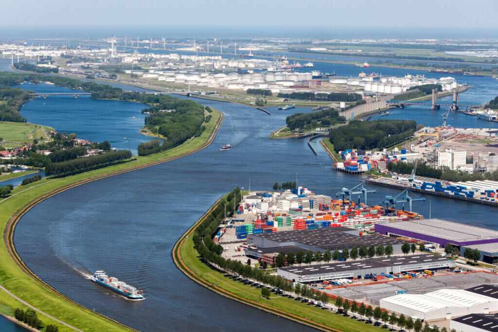 Invest in Holland: Port of Rotterdam and Maasvlakte 2